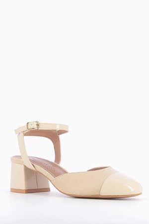 Mid-Heeled Beige Pumps